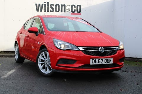 Red Vauxhall Astra 1.4 Design 2017