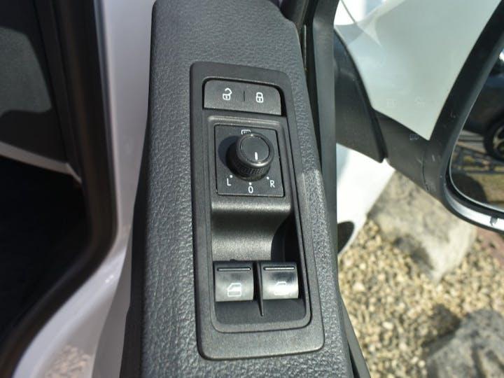 White Volkswagen Transporter 2.0 T28 TDI P/v Trendline 2019