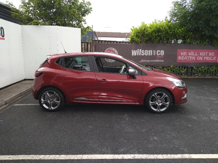 Red Renault Clio 1.5 GT Line Dci 2018